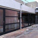 Bedrijven nieuwe kunstof kozijnen/deuren vergaderzaal Beach Hotel de Vigilante, Makkum