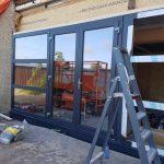Bedrijven Nieuwe kunstof kozijnen/deuren vergaderzaal installeren vergaderzalen Beach Hotel de Vigilante, Makkum