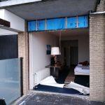 bedrijven kunststof kozijnen schuifpui hotelkamer verwijderen Beach Hotel de Vigilante Makkum